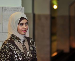 Artis non muslim indonesia dating